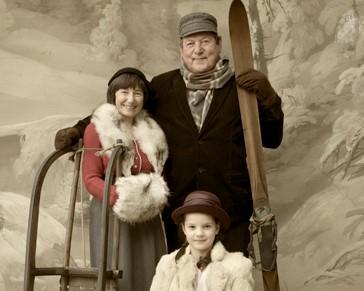 ZIMNÍ FOTOGRAFOVÁNÍ U SEIDELŮ, fotografování se zimním pozadím pro skupinky do 4 osob v museum Fotoateliér Seidel